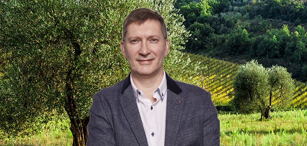 Simon Poole Claims there is an urgent need for EVOO education in the UK.